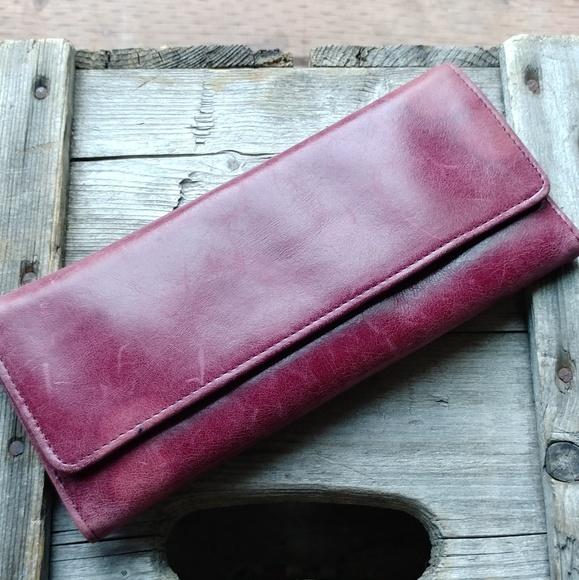 HOBO Handbags - FLASH SALE 🍷Burgandy Hobo Wallet